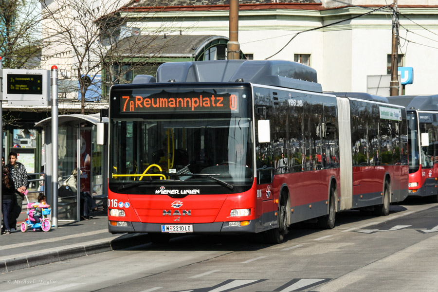 Vienna Bus